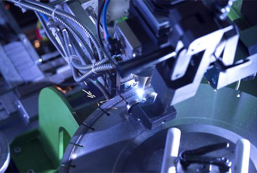 Процесс наварки алмазных коронок на дисковую пил